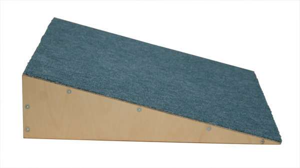 Goldrabe Kletterdreieck : Goldrabe kletterrampe teppichbelag für kleinkinder
